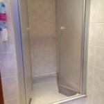 Emaille-Duschwanne mit Kunststoff - Duschabtrennung